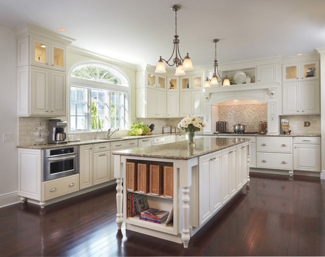 kemper cabinets Kitchen Traditional with arch backsplash bin pulls