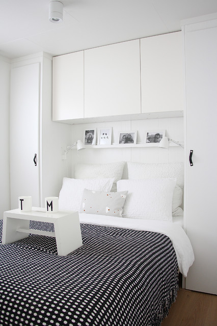 King Size Bed Frame with Headboard Bedroom Scandinavian with Black and White Bedding