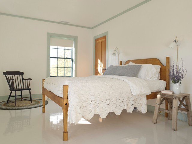 King Size Platform Bed Frame Bedroom Farmhouse with Bare Walls Charming Farrow