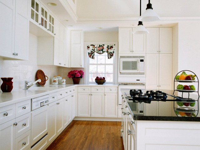 Lily Ann Cabinets Spaces Traditional with White Shaker Cabinets White