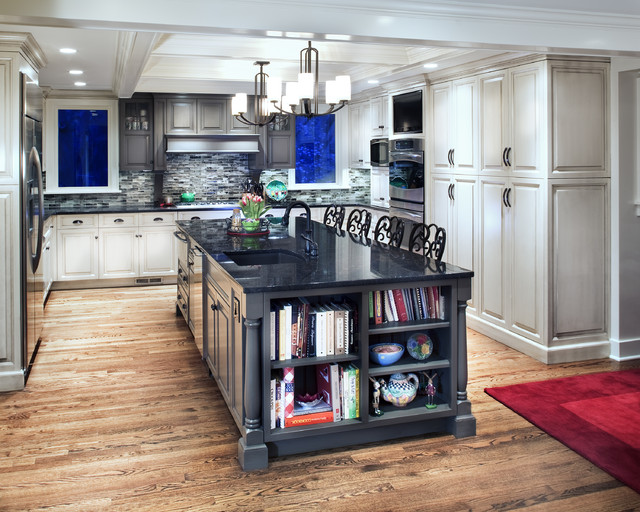 Lunada Bay Tile Kitchen Traditional with Breakfast Bar Ceiling Moulding