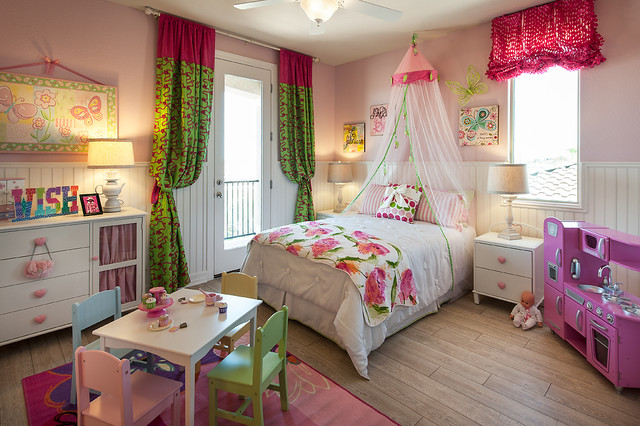 Maracay Homes Kids Traditional with Balcony Bed Skirt Bedroom