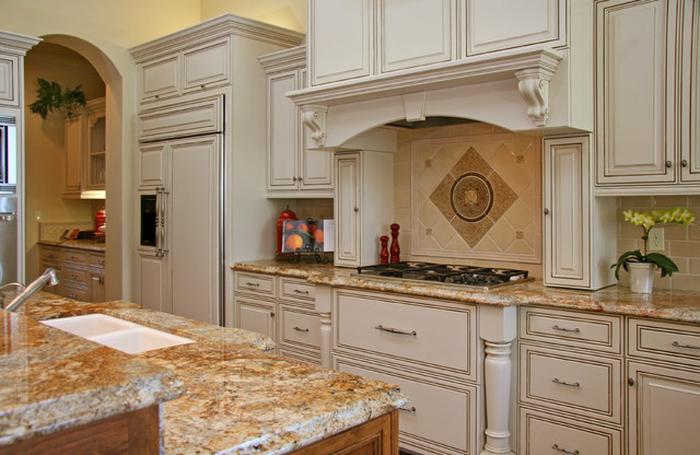 Medallion Cabinets Kitchen Traditional with Accent Tiles Cabinet Front