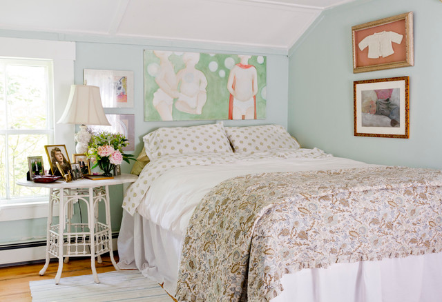Metairie Small Animal Hospital Bedroom Shabby Chic with Art Above Bed Framed