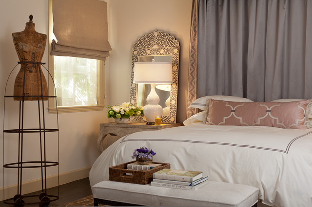 Mirrored Nightstands Bedroom Mediterranean with Baseboards Bed Canopy Bed