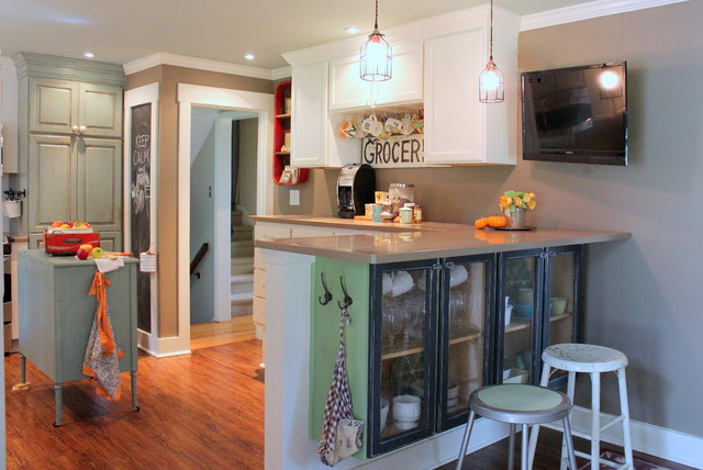 Mixing Bowls with Lids Kitchen Farmhouse with Capped Baseboard Crown Molding