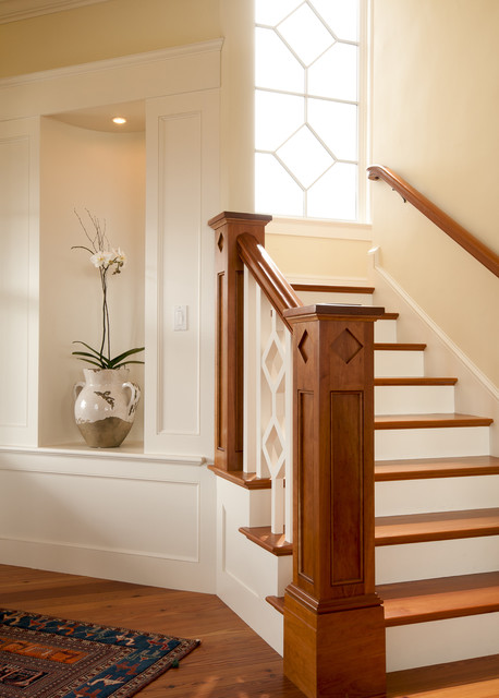 Newel Post Staircase Victorian with Biox Newel Built In