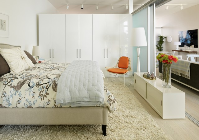 Pax Wardrobe Bedroom Scandinavian with Bedding Console Frosted Glass