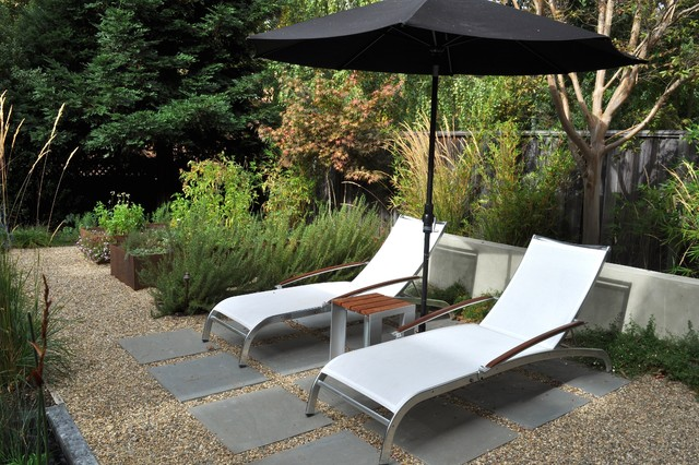Pea Gravel Landscape Traditional with Chaise Lounge Gravel Path