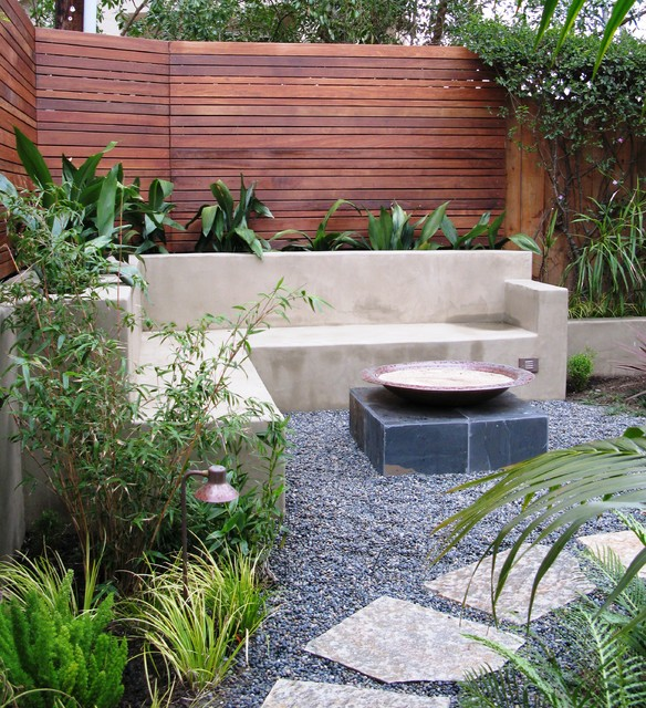 Pea Gravel Patio Contemporary with Bamboo Built in Seating