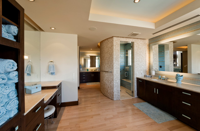 Pinnacle Lighting Bathroom Contemporary with Bath Mat Brown Baseboard