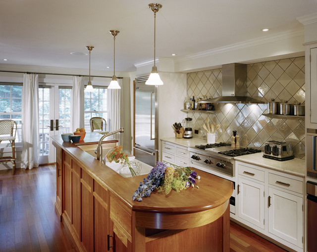 Pratt and Larson Kitchen Farmhouse with Custom Island Diamond Floating