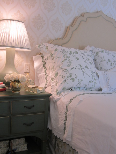 Queen Fitted Sheet Bedroom Traditional with Categorybedroomstyletraditionallocationboston