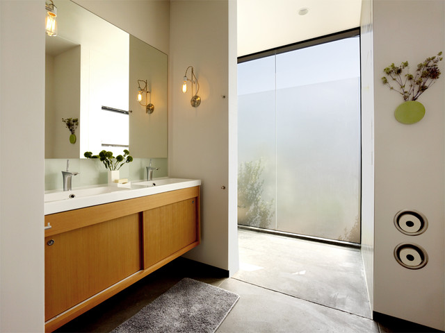 Recessed Toilet Paper Holder Bathroom Modern with Concrete Floor Frosted Glass