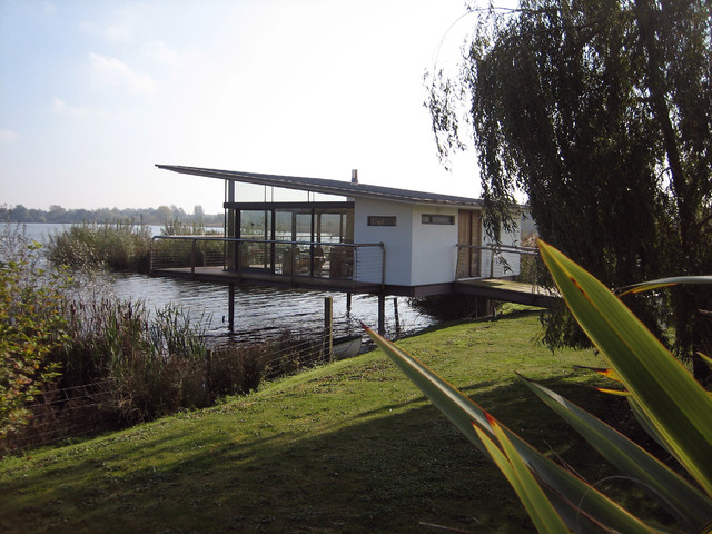 Reeds Ferry Sheds Exterior Midcentury with Ar Ramus Architecture England1
