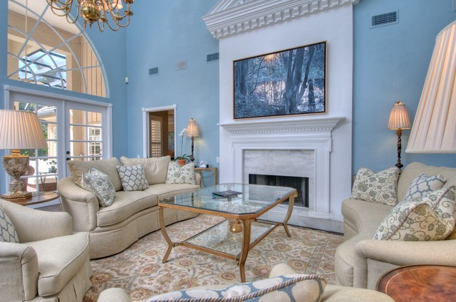 Robb and Stucky Living Room Traditional with Area Rug Dentil Moulding