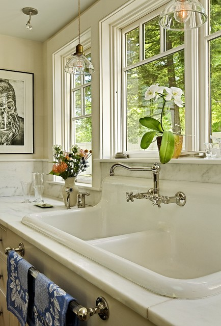 Rohl Sinks Kitchen Traditional with Apron Sink Country Kitchen