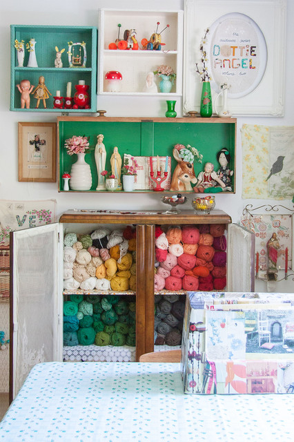 Shabby Sheek Home Office Shabby Chic with Art Arrangement Artist Studio