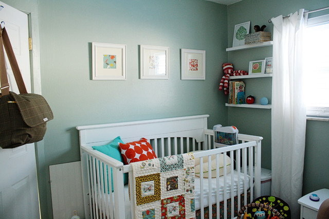 Shelf Genie Nursery Contemporary with Baby Quilt Built In