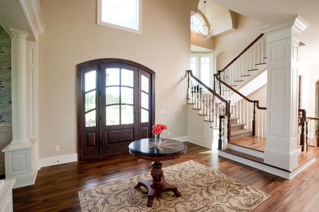 Sherwin Williams Kilim Beige Entry Traditional with Area Rug Chandelier Column