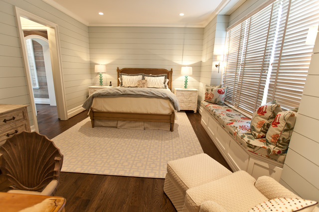 shiplap siding Bedroom Beach with are rug bed skirt