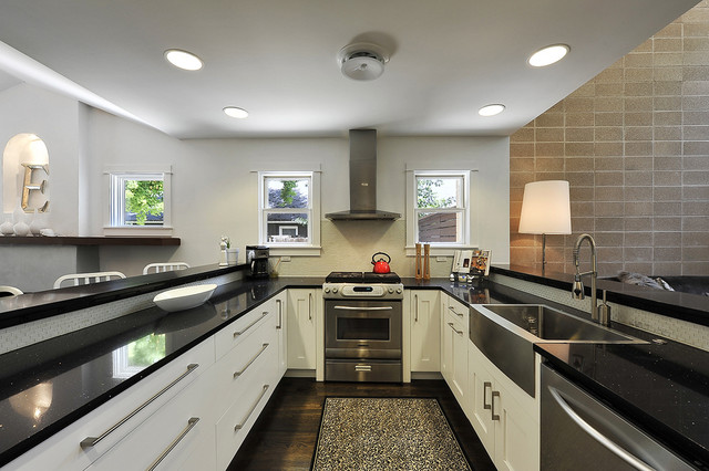Stainless Steel Farmhouse Sink Kitchen Transitional with Apron Sink Breakfast Bar