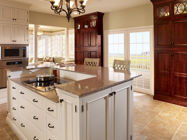 Starmark Cabinetry Kitchen Traditional with Bar Stools Barstools Cabinet
