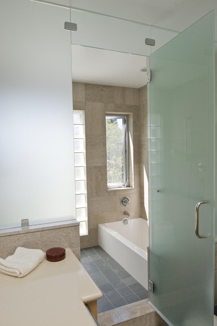 Starphire Glass Bathroom Contemporary with Bathtub Corner Tub Floor1