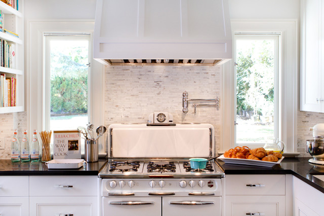 Stove Hoods Kitchen Traditional with Bali 702 Benjamin Moore