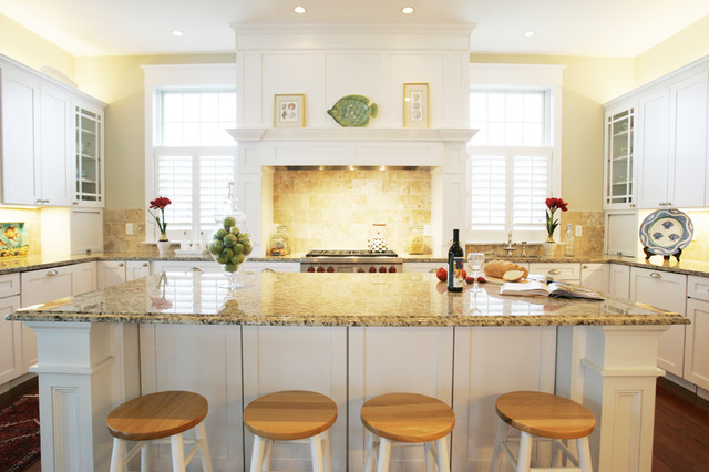 Stove Hoods Kitchen Traditional with Breakfast Bar Ceiling Lighting