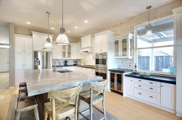 Super White Quartzite Kitchen Traditional with Bar Stool Black Counter