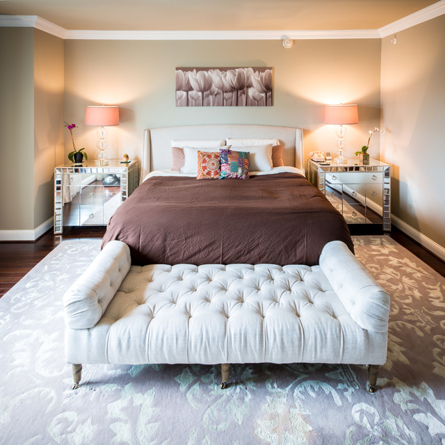Tufted Bench Bedroom Transitional with Baseboard Bedside Lamps Brown