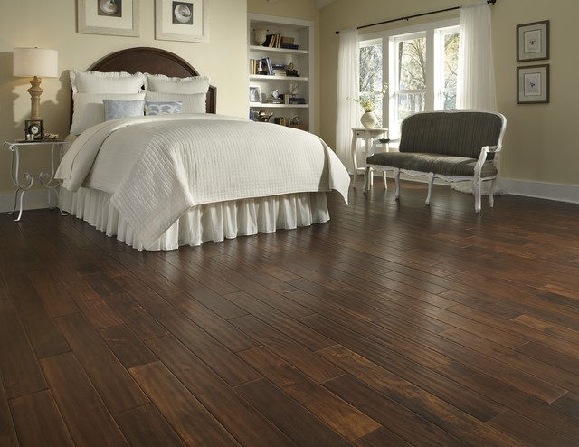 Tumbling Mat Bedroom Traditional with Categorybedroomstyletraditionallocationother Metro