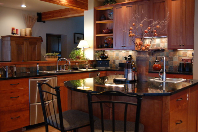 Tumbling Mat Kitchen Traditional with Breakfast Bar Eat In