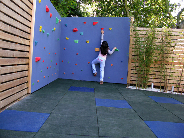 Tumbling Mats Landscape Modern with Bamboo Bench Climbing Wall