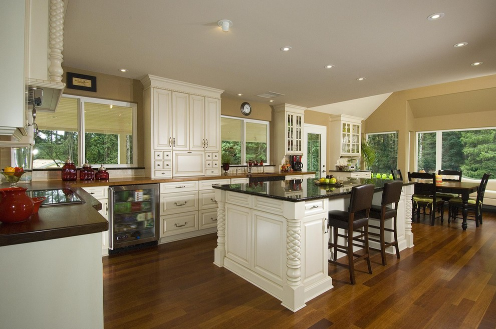 Uba Tuba Granite Kitchen Traditional with Categorykitchenstyletraditionallocationother Metro