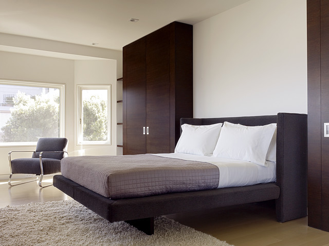 Upholstered Platform Bed Bedroom Modern with Accent Chair Area Rug