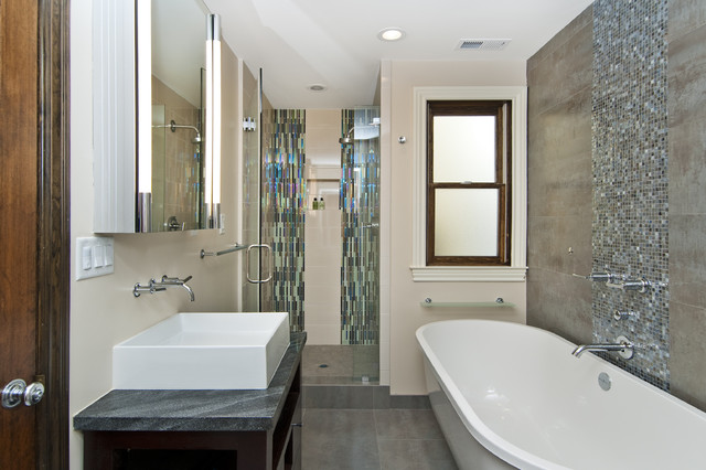 Vertical Bathtub Bathroom Transitional with Ceiling Lighting Freestanding Tub