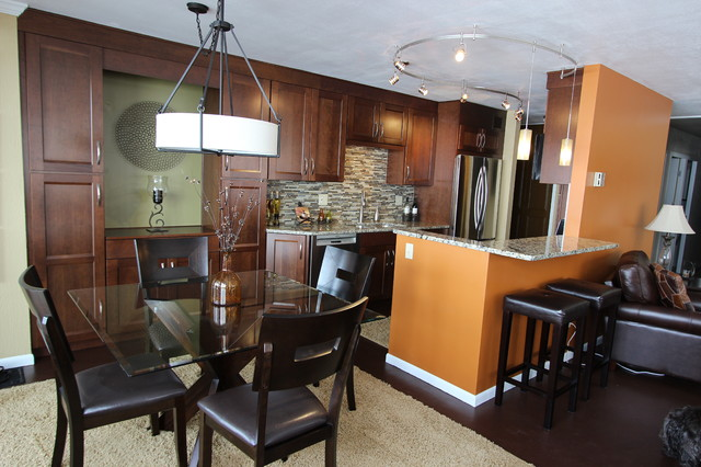 Waypoint Cabinets Kitchen Transitional with Bliss Amber Linear Glass