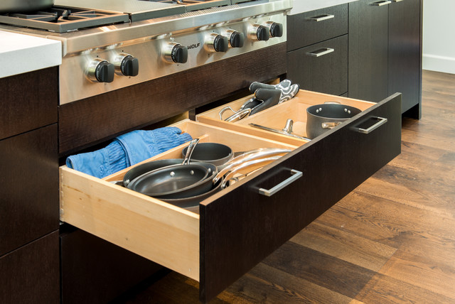Wolf Cooktop Kitchen Contemporary with 48 Range Cocoa Brown