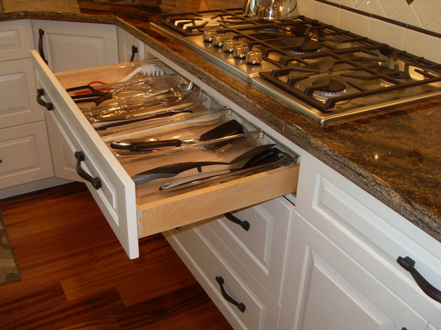 Woodmark Cabinets Spaces Traditional with Categoryspacesstyletraditionallocationchicago