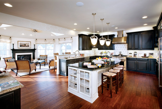 Yorktowne Cabinets Kitchen Traditional with Black and White Cabinetry