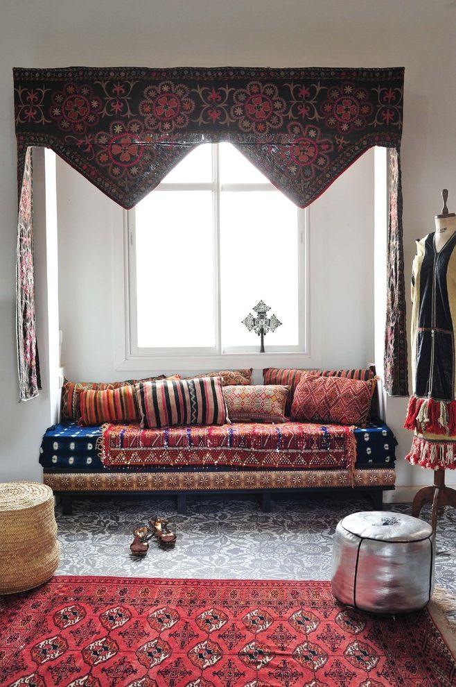 African Daybed  for Mediterranean Living Room and Pillows