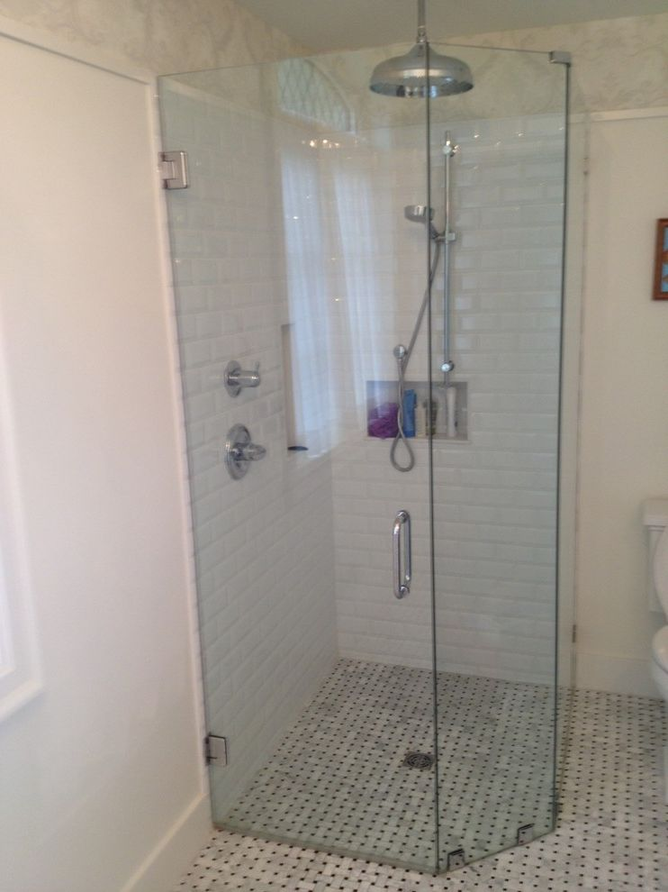 Curbless Neo Angle Shower for Craftsman Bathroom and Bathroom