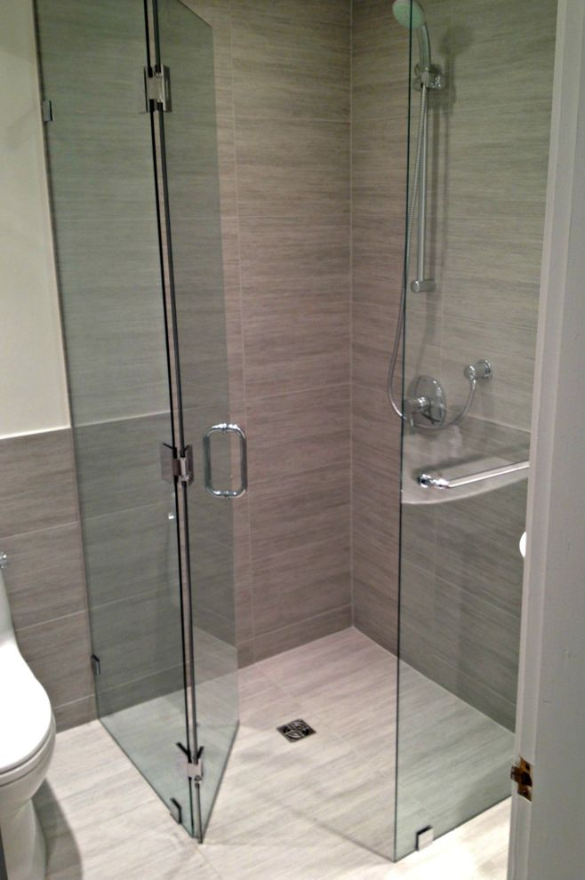 Curbless Neo Angle Shower for Modern Bathroom and Glass Shelves