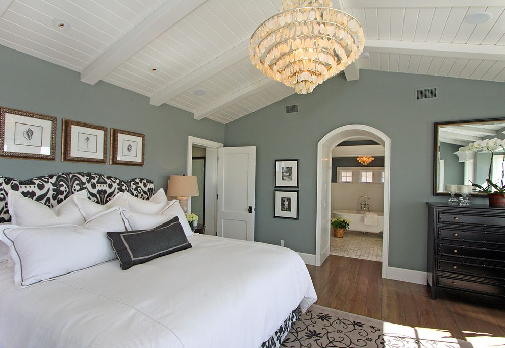 Dunn Edwards Bedroom  for Traditional Bedroom and White Door