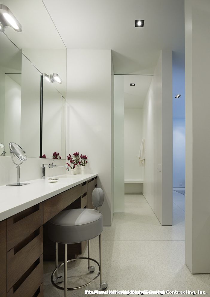 Puck Lighting for Makeup  for Contemporary Bathroom and Wall Lighting
