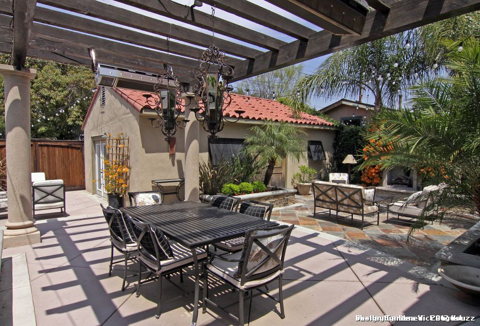 Spanish Style Outdoor Patio Paving for Mediterranean Patio and Outdoor Fireplace