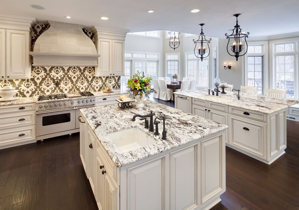 Types of Cabinets That Go with Delicatus Granite with Black Lines for Traditional Kitchen and Kitchen Island