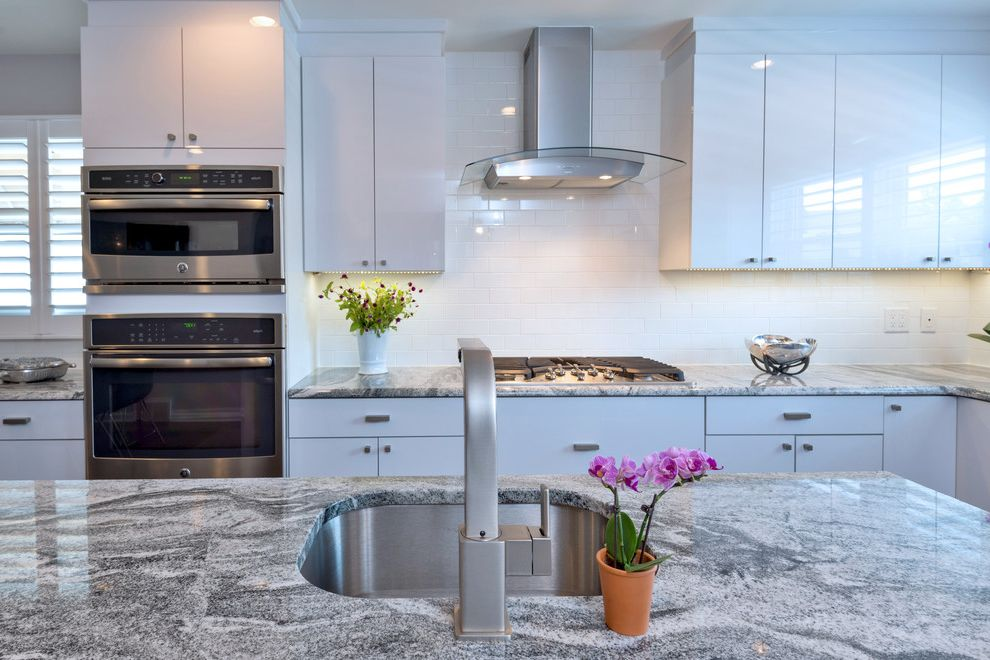 Contemporary Kitchen with White Laminate Doors Average Kitchen Remodel Cost for Contemporary Kitchen Kitchen Photos Kitchen and Bathroom Remodelers